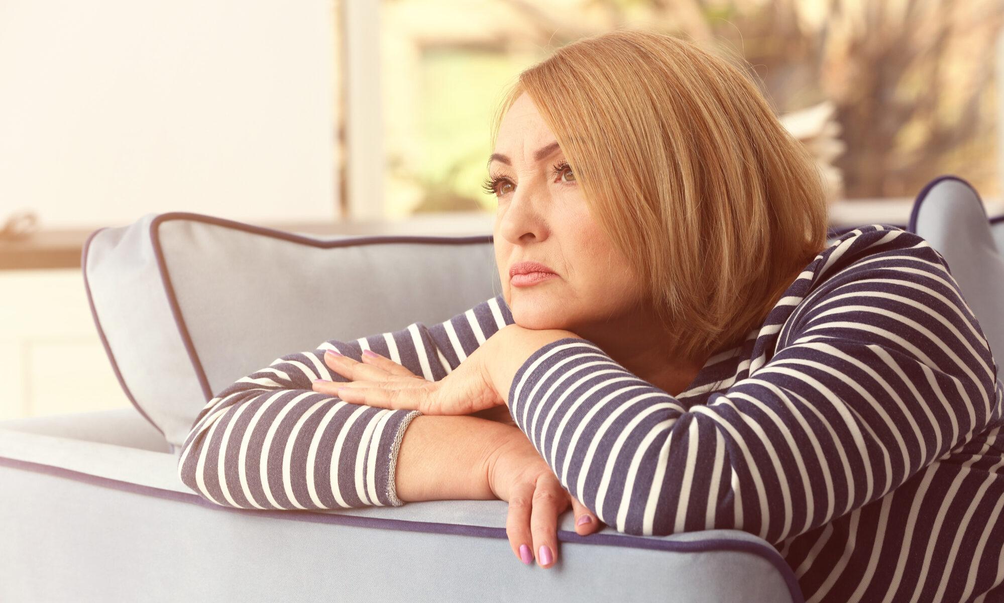 Einsame Frau um die 50